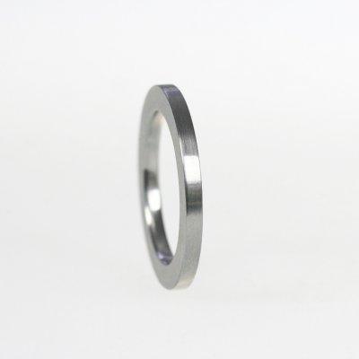 Ring in Edelstahl, 2mm breit, mattierte Oberfläche