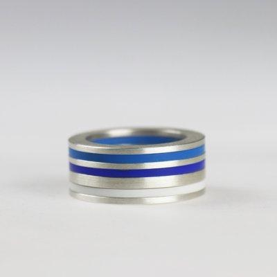 Ringkombination in Silber mit weißem, himmelblauen und lapisblauen Acryl