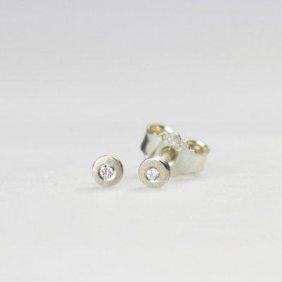 Ohrstecker in Silber, 3mm rund, mit Brillanten