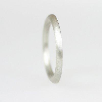 Ring in Silber, 1,7mm breit, halbrund, mattierte Oberfläche