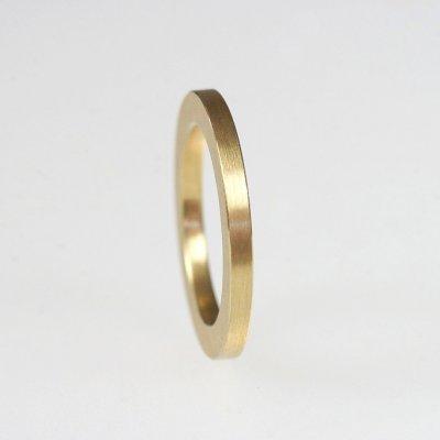 Ring in 750/_Gelbgold, 2mm breit, mattierte Oberfläche