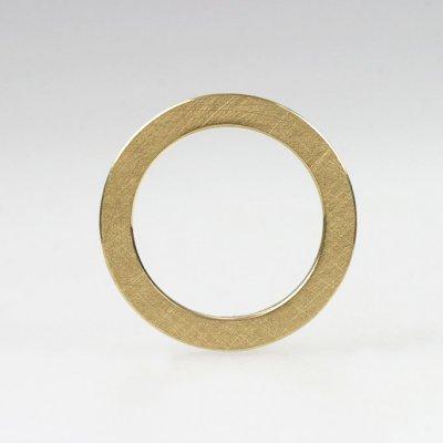 Ring in 750 Gelbgold, mattierte Oberfläche