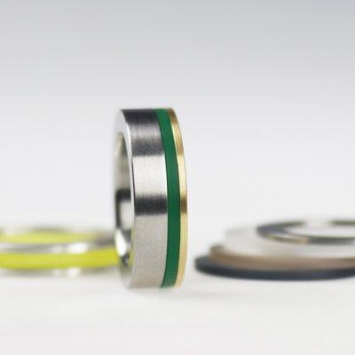 Ringkkombination in Edelstahl, 750/_Gold und Acryl in seegrün