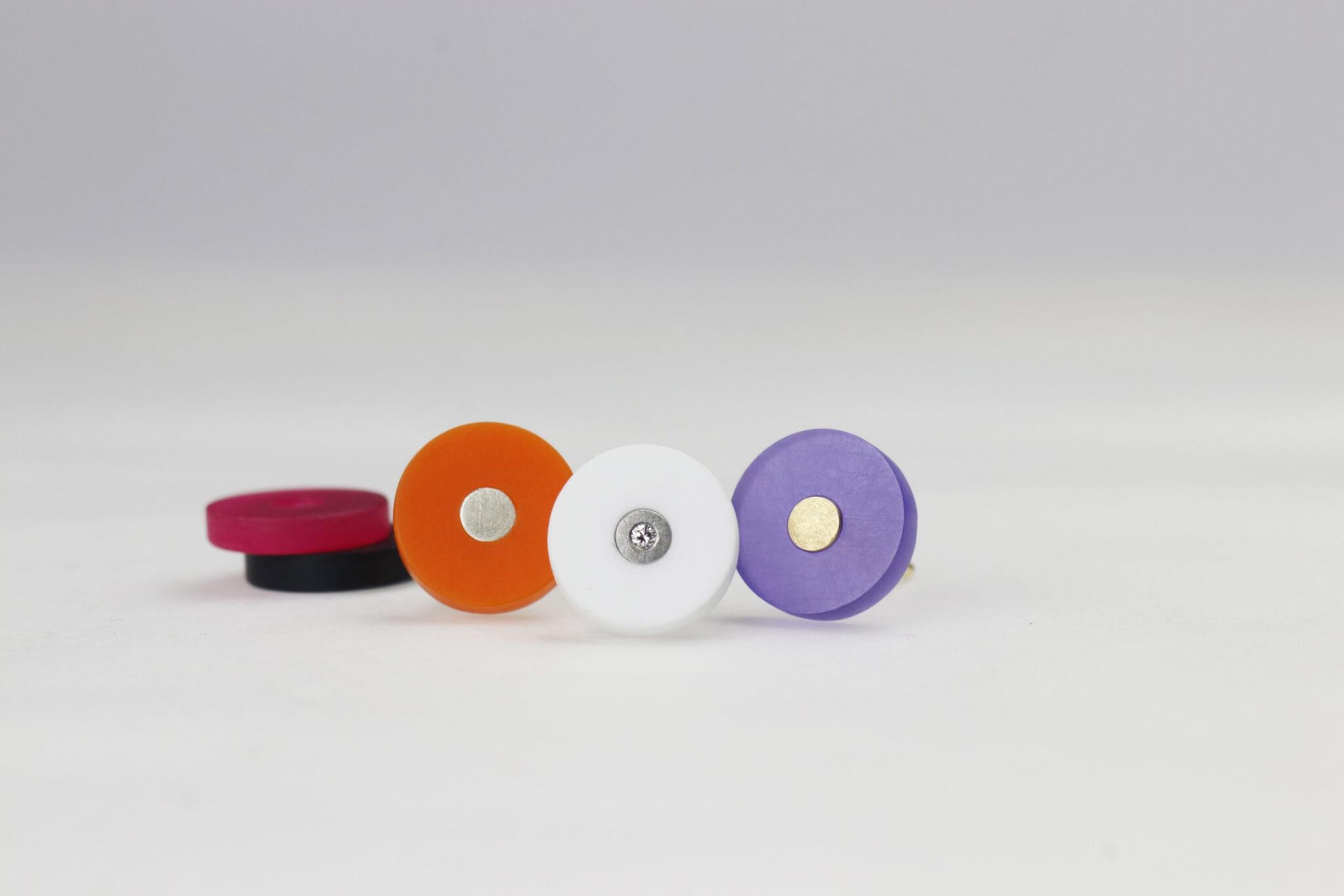 Ohrstecker 3mm rund in Edelstahl mit Brillant, Silber oder Gold mit farbigem Acyrl